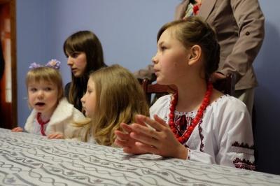 За усиновленням діток на Буковині утворилася черга
