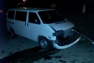"""На Буковині в """"Ауді"""" на ходу вибухнуло колесо - авто винесло на зустрічну"""