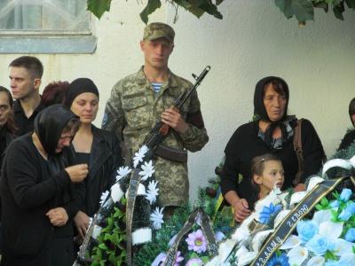 Каспрук пообіцяв заборонити у Чернівцях розважальні заходи у дні похоронів бійців АТО