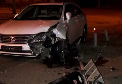 П'яний водій розтрощив у Чернівцях світлофор (ФОТО)