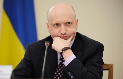 Росія на Донбасі випробовує нову зброю, - Турчинов