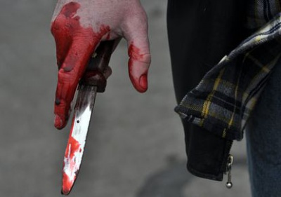 На Буковині кочегар поранив ножем директорку школи