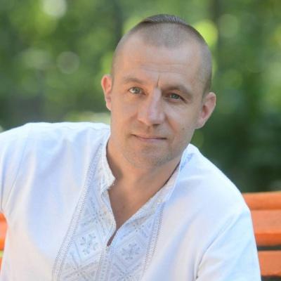 Козак Гаврилюк з Буковини здивував соцмережі своїм новим стилем без вусів і бороди