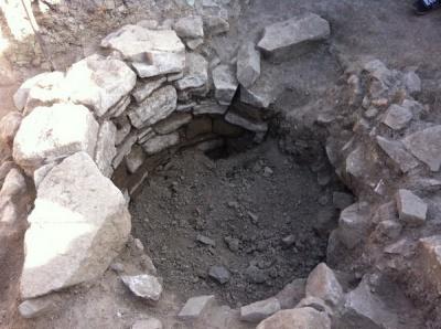 Старовинний османський колодязь, який відкопали в Хотині, відкриють для туристів (ФОТО)
