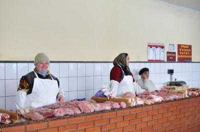 На ринках Чернівців м'ясо подорожчало, бо мало залишилося