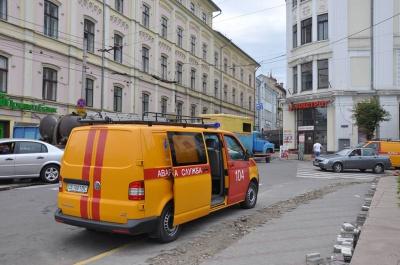 Мер Чернівців закликає ставитися з розумінням до розкопок на вулицях
