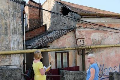 У центрі Чернівців обвалюється будинок, який влада відмовляється ремонтувати 11 років