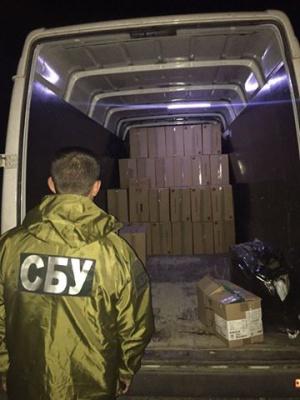 На Буковині затримали партію контрабандних цигарок на 400 тисяч (ФОТО)