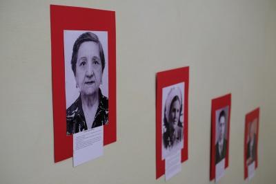 """У Чернівцях відкрили фотовиставку """"Прості обличчя непростої історії"""" (ФОТО)"""