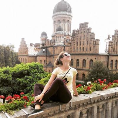 «Вау! Як у вас гарно!», - туристи з Дніпра розповіли про свої враження від Чернівців (ФОТО)