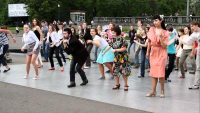 Суботні танцювальні вечори - у Чернівцях започаткували ритмічний відпочинок