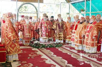 Митрополит Онуфрій звершив літургію у монастирі на Буковині (ФОТО)