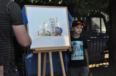 Уламки епохи: у Чернівцях презентували виставку відомого художника (ФОТО)