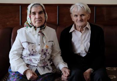 88-річний та 82-річна буковинці справили весілля (ФОТО)
