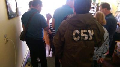 На Буковині на хабарі в 500 доларів затримали землевпорядника