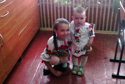 Допоможіть врятувати 3-річну дівчинку з Буковини, яка втратила слух