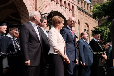 Безвізовий режим мав би запрацювати з жовтня, - екс-прем'єр Яценюк