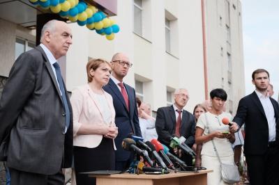 Яценюк хоче, щоб студенти з Чернівців дистанційно слухали курси найкращих світових вузів