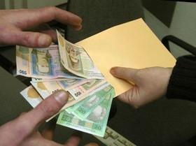 """Податкова у Чернівцях знайшла 300 """"сірих наймитів"""""""