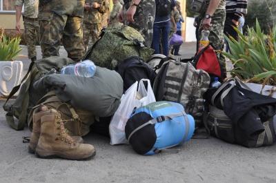 З Чернівців відправили резервістів на військові збори (ФОТО)