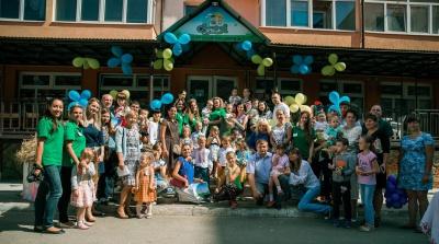 """Центр розвитку дитини """"ІриСкА"""" збирає врожай на """"Обжинках"""" (на правах реклами)"""