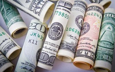 При обшуку у полковника МВС Росії знайшли $120 млн у мішку