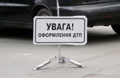 У Мукачевому прокурор тікаючи від поліції зніс металеву огорожу