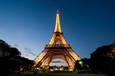 У Парижі терористки хотіли підірвати Ейфелеву вежу