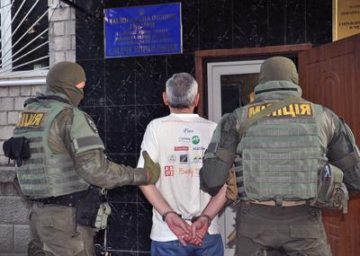 """На Буковині затримали """"гастролерів""""-домушників з Одеси (ФОТО)"""