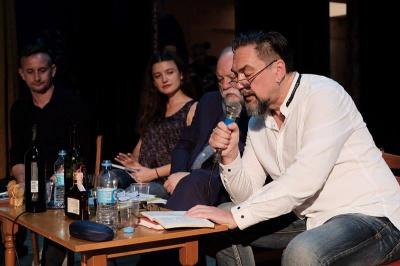 Сергій Жадан у Чернівцях розповів, як у Ялті запивав вино кока-колою (ФОТО)