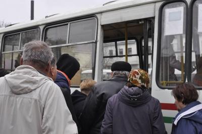 Один із автобусів на маршруті №19 у Чернівцях – для школярів