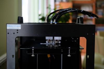У Чернівцях у бібліотеці з'явився 3D-принтер, на якому безкоштовно можна надрукувати іграшки (ВІДЕО)