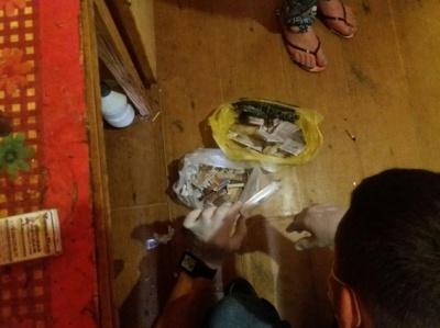 У Чернівцях поліція викрила наркопритон (ФОТО)