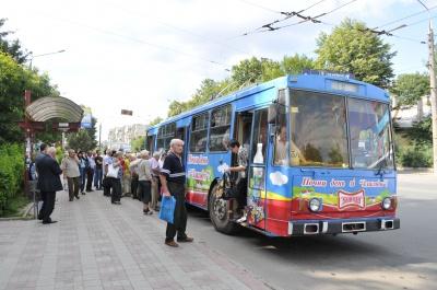 У тролейбусах на 10 пасажирів, які платять, припадає ще 18 пільговиків