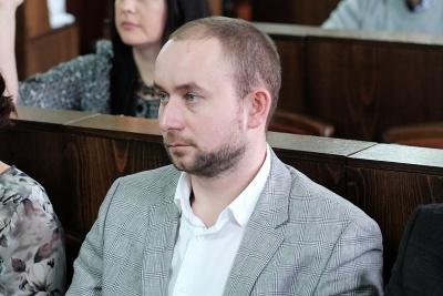 """""""Тесть не впливає на мої голосування"""": депутат Брязкало розповів, про що він спілкується з Чинушем за вечерями"""