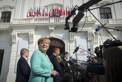 Меркель: ЄС перебуває у критичній ситуації