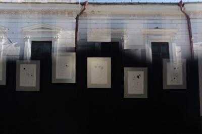 В Чернівцях триває виставка графіки відомого одеського художника Олександра Ройтбурда(ФОТО)