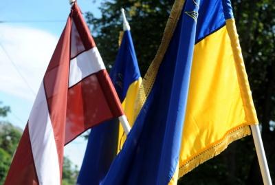 Порошенко та Вейоніс обговорять повернення конфіскованих 50 мільйонів євро