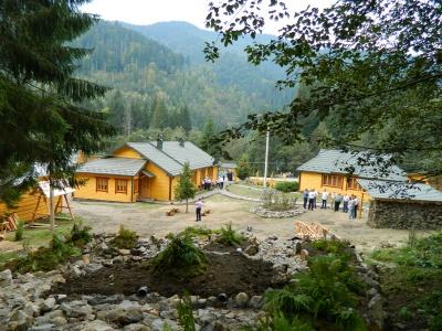 Лісівники збудували на Путильщині новий об'єкт відпочинку (ФОТО)