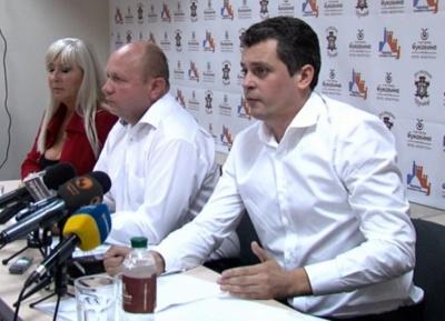 Депутат-втікач Білик зустрівся з журналістами і заявив, що хоче повернутись на роботу в ЧНУ