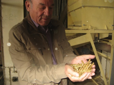 Буковинські пелети із соломи - дешевші за дрова (ФОТО)