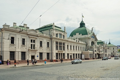 Начальника залізничного вокзалу Чернівців затримали на хабарі