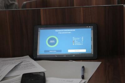 Райрада на Буковині голосуватиме планшетами (ФОТО)
