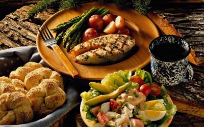 Через ціни українці стали економити на їжі