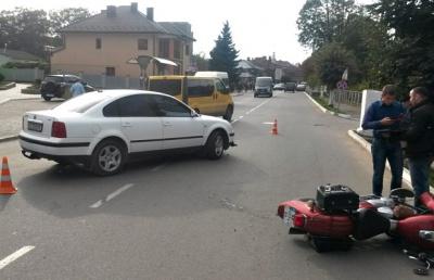 """На Буковині """"Фольксваген"""" збив мотоцикліста"""