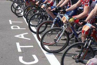 Буковинські велогонщики змагалися у меморіалі відомого тренера