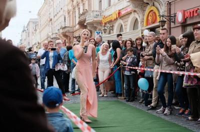 У Чернівцях на вулиці Кобилянської - східні танці і фітнес (ФОТО)