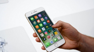 Від сьогодні iPhone 7 можна офіційно купити в Україні