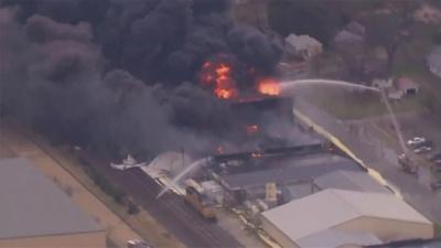 Взрыв на химзаводе в США: эвакуируют целый город