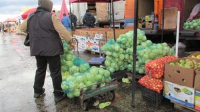 На ринках Чернівців продають мерзлі овочі